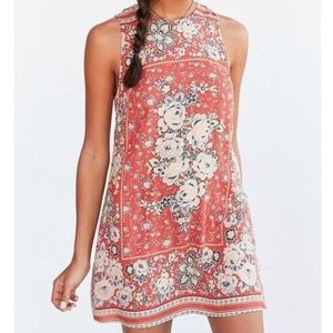 Urban Outfitters Ecote Floral Shift Mini Dress L